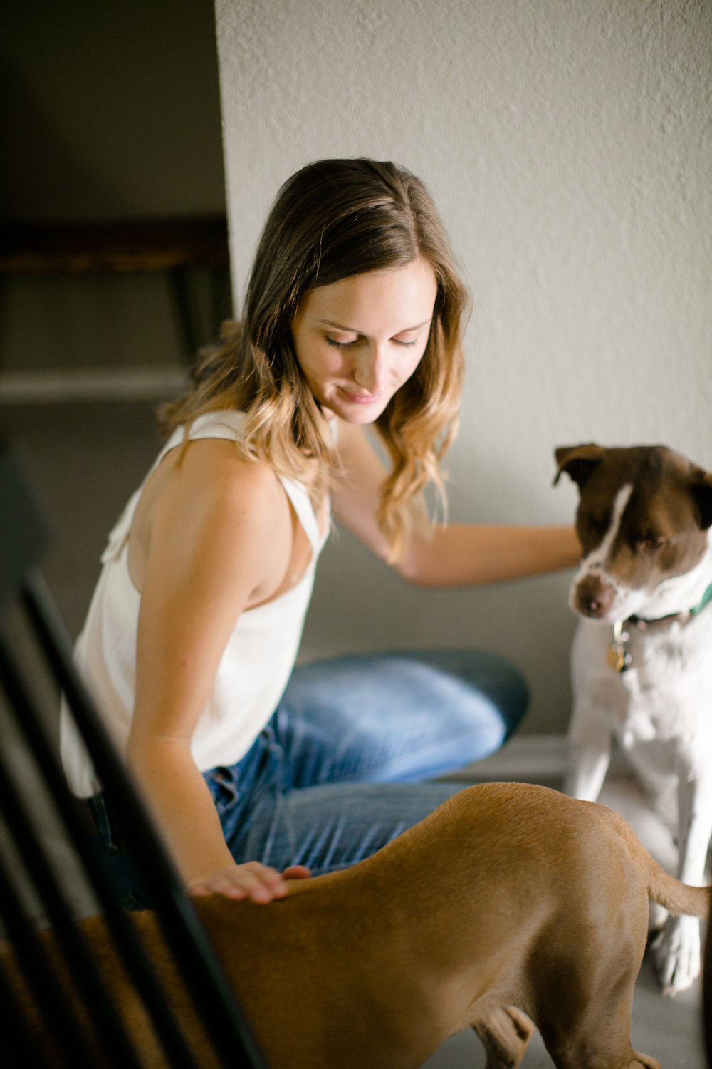 Austin-Texas-Wedding-Photographers-home-lifestyle-engagement-session-19.jpg