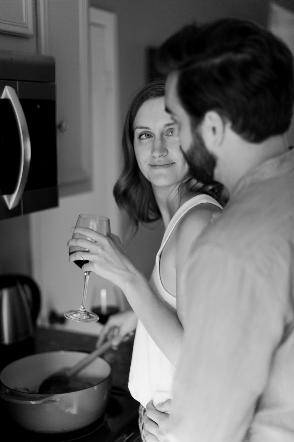Austin-Texas-Wedding-Photographers-home-lifestyle-engagement-session-26.jpg
