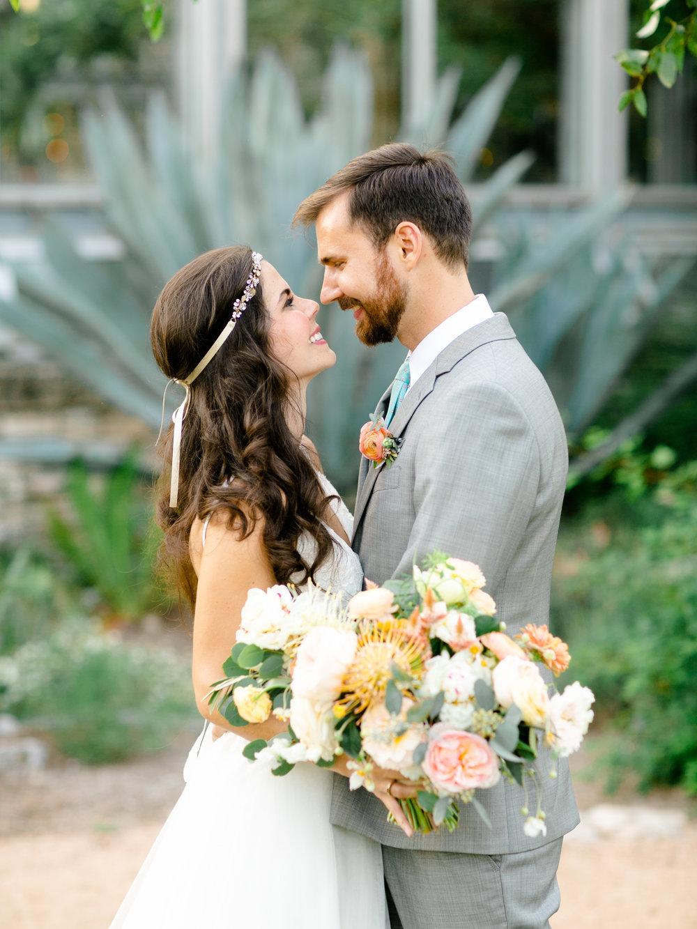 Best-Austin-Denver-California-Wedding-Photographer-Greenhouse-Driftwood32.jpg
