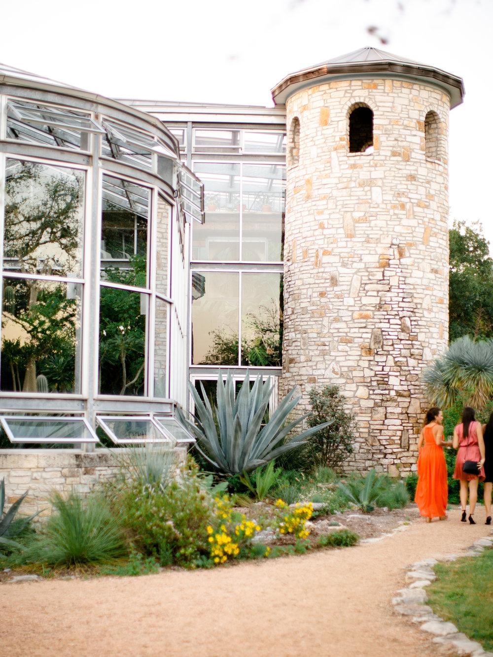 Best-Austin-Denver-California-Wedding-Photographer-Greenhouse-Driftwood37.jpg