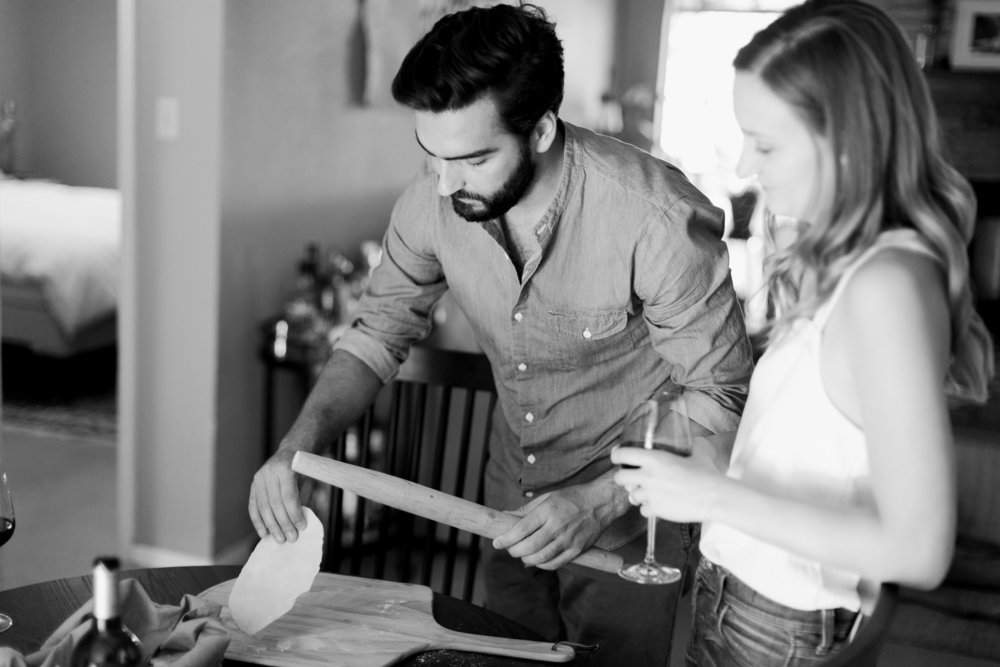 Austin-Texas-Wedding-Photographers-home-lifestyle-engagement-session-9.jpg