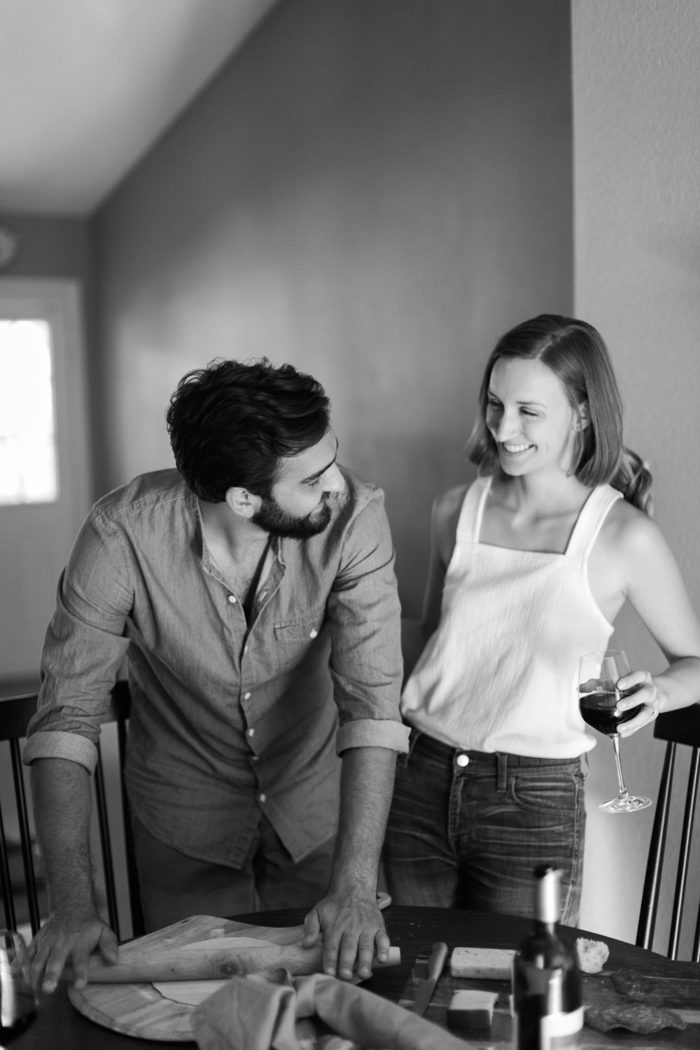 Austin-Texas-Wedding-Photographers-home-lifestyle-engagement-session-11.jpg
