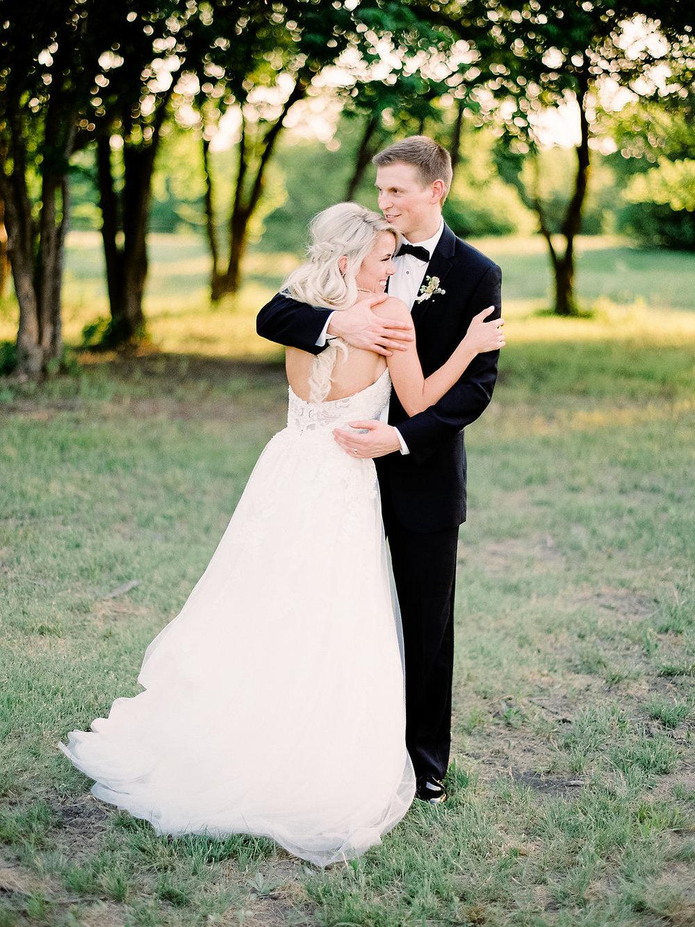 Best-Austin-Denver-California-Wedding-Photographer-Nest-Ruth-Farms-44.jpg