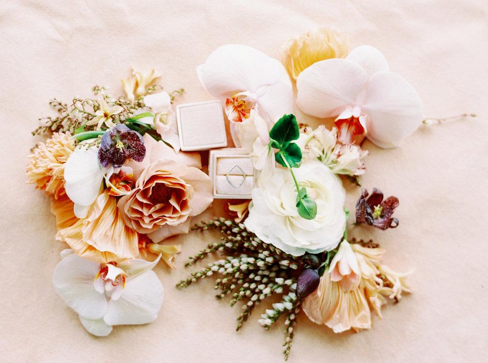 Best-Austin-Texas-Wedding-Photographers-Film-Hybrid-Prospect-House-15.jpg