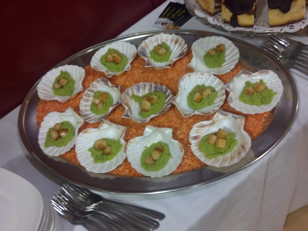 scallops minted pea puree.jpg