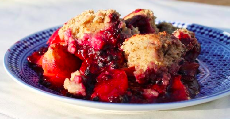 blackberry peach cobbler.png