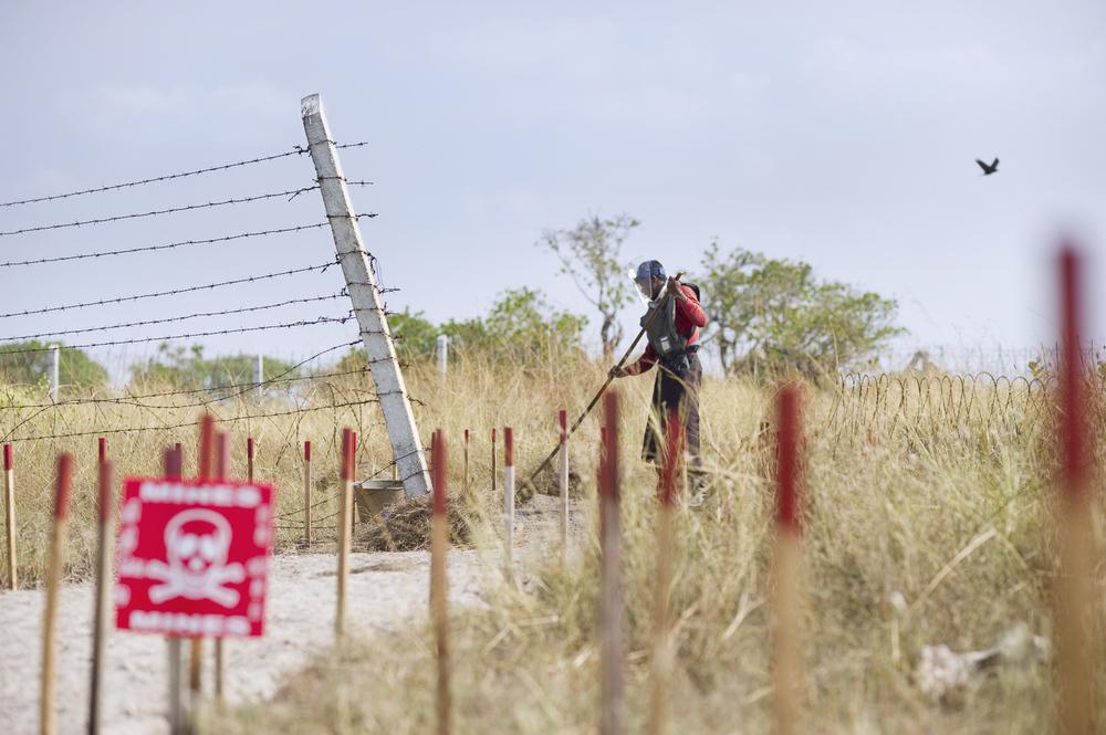 Mine clearance on Mandaithivu island, Northern Sri Lanka.
