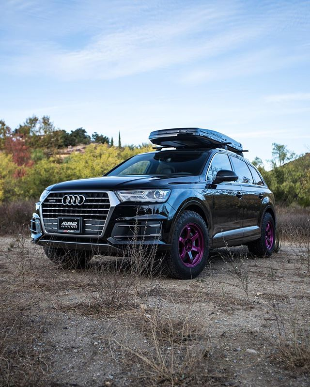 Uptown Funk @audi Q7 💅🏼 // #allroadoutfitters // #te37 // #offroad // #2018 // #audi // #q7 // #allroad // #monday // #adventure // #rays // #targatrophy // #carswithoutlimits // #blacklist // #audizine // #audigramm // #instadaily // #photooftheday // #instagood // #swag // #outdoors // #superstreet // @raysmsc @thule