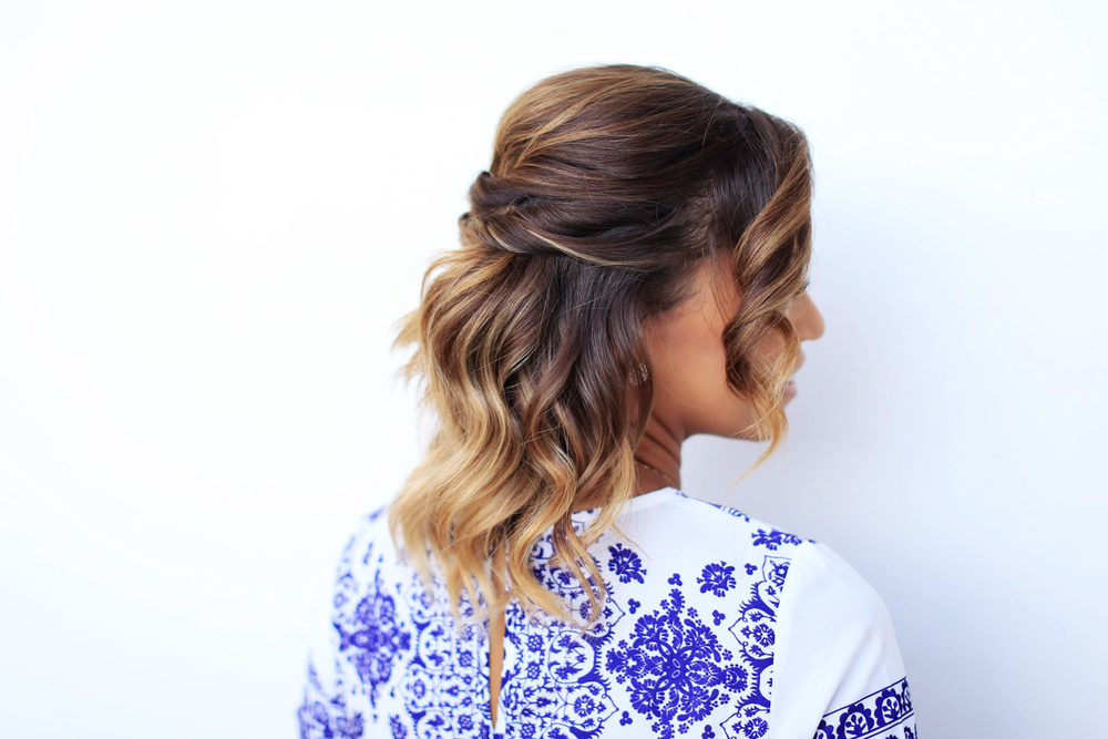 Twisted half-do - Short hair hairstyle