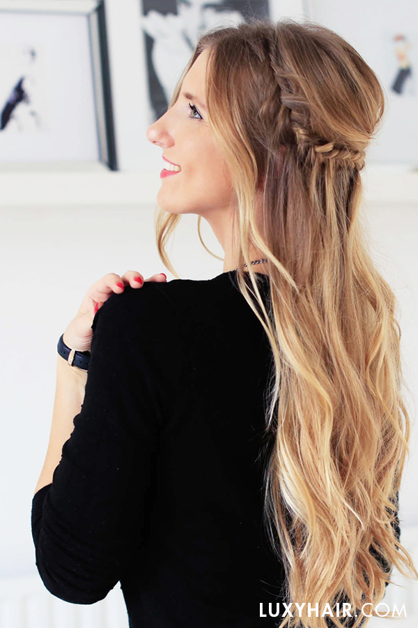 How to get the perfect holiday half updo hairstyle