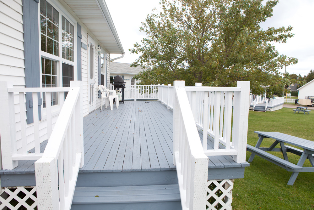 Standard Cottage Deck