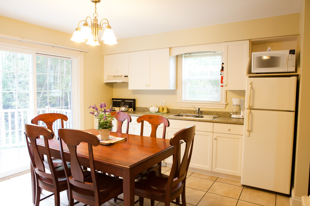 Deluxe Cottage Kitchen