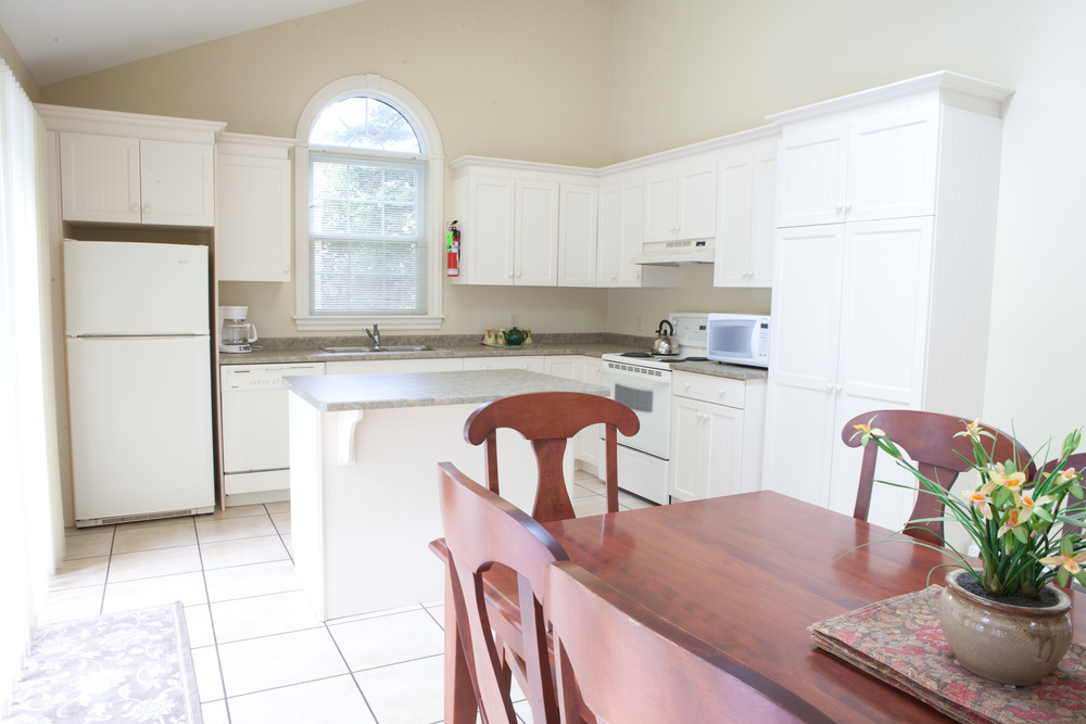 Deluxe Three Bedroom Kitchen and Dining