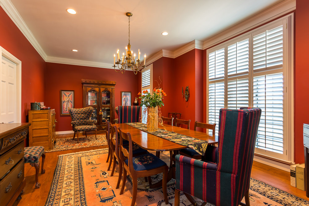 Dining Room shot for real estate photo shoot of home in Siloam S