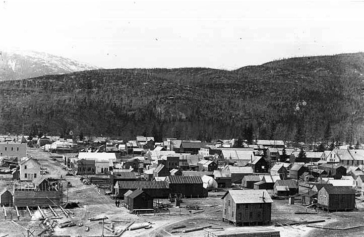 Skagway as it looked the year Soapy Smith died. Image Courtesy of Wikimedia Commons.