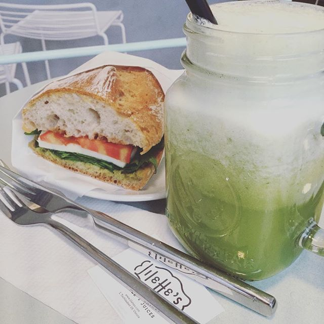 L'Italiano Vero 💚Bob the Booster....💚💚💚...Oldies but Goodies💚💚 #lilettes  #greenjuice #jause #sandwich #saftbar #wienisst #juicejar #mittagsinwien #viennafood #tuchlauben #hohermarkt #1010wien #1010foodies #mittagssnackwien