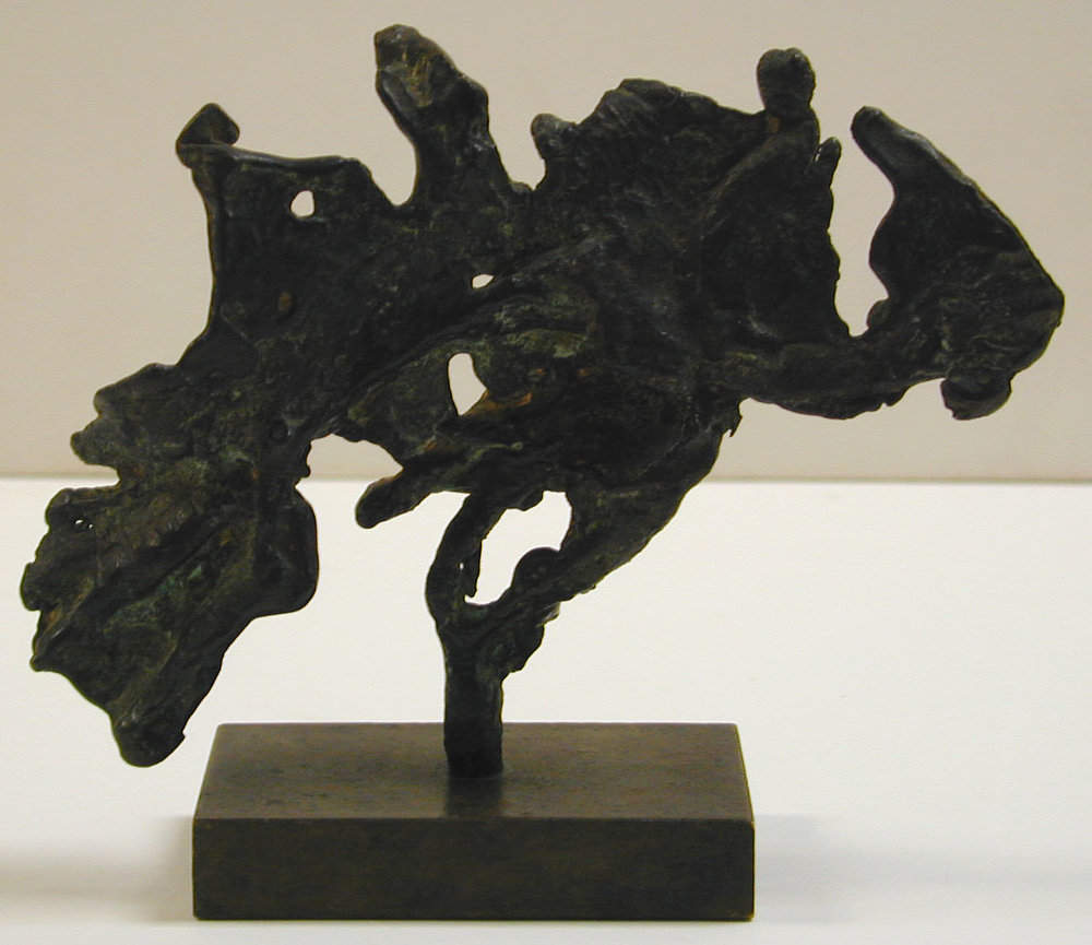 Bronze sculpture of abstract fish
