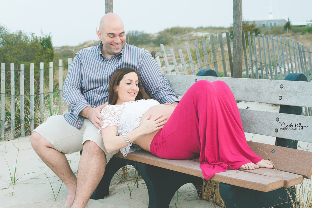 Jersey Shore Maternity Photographer | Nicole Klym Photography | www.nicoleklym.com