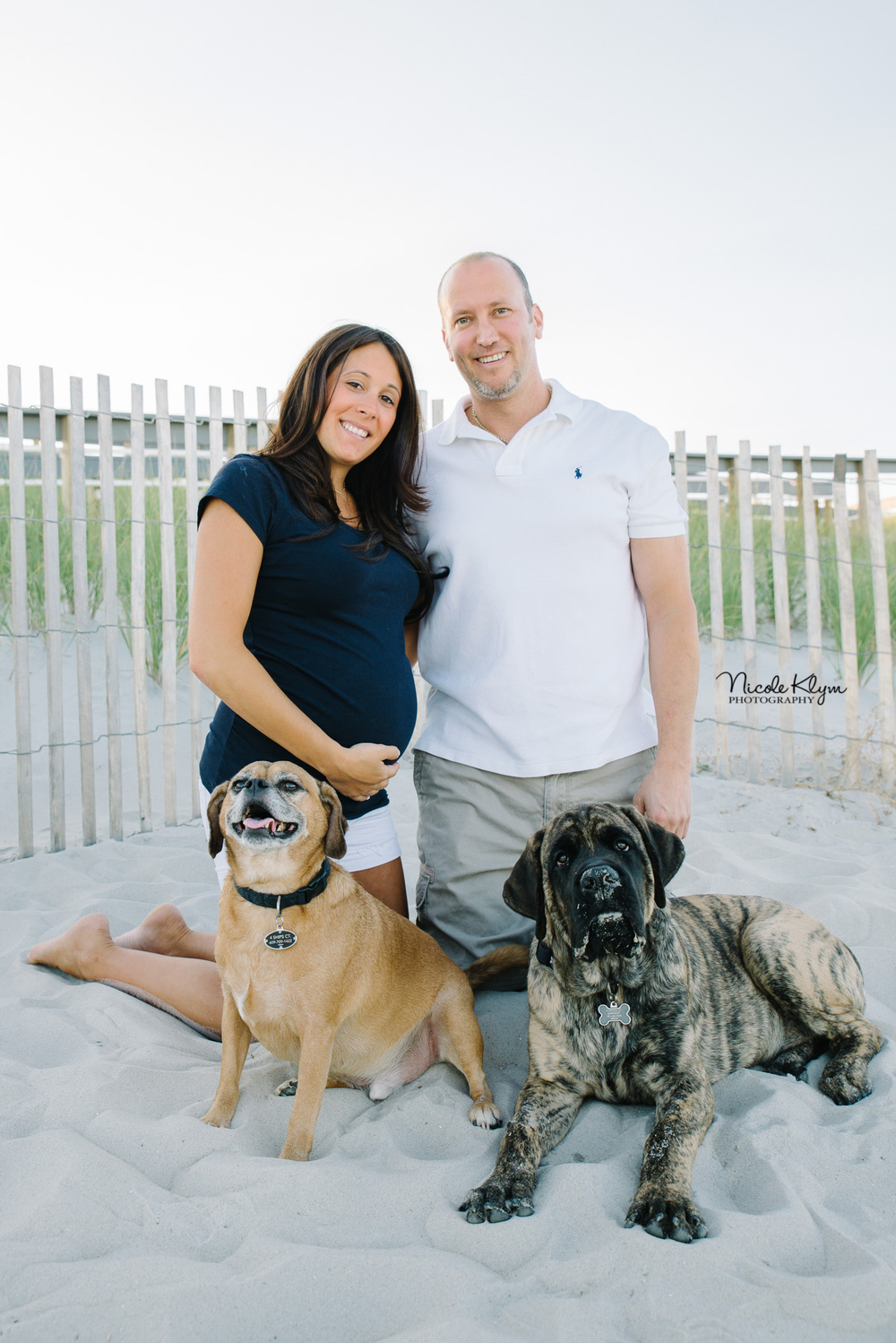 LBI, NJ Beach Maternity Photos | Nicole Klym Photography | www.nicoleklym.com