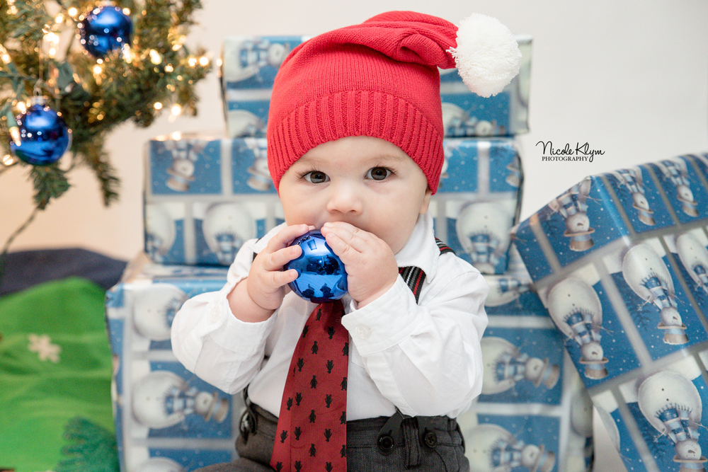 NJ Children's Christmas Photos | Nicole Klym Photography | www.nicoleklym.com