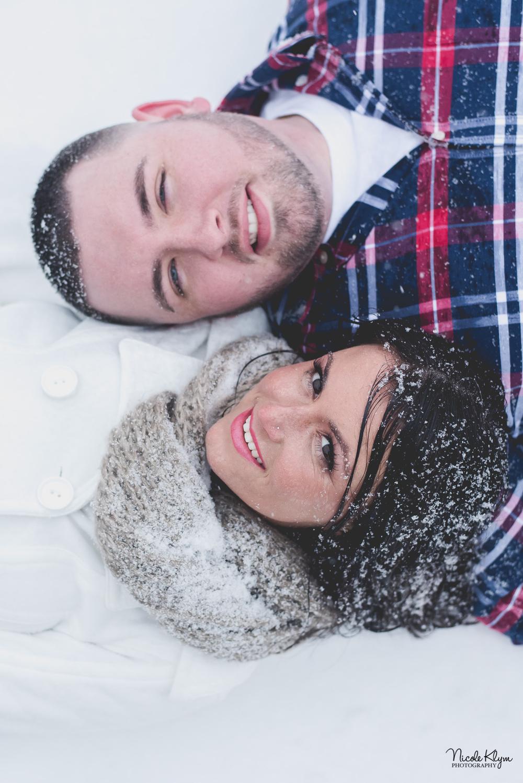 Batsto Village Winter Engagement Photos in the Snow | Nicole Klym Photography | www.nicoleklym.com