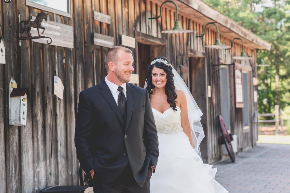 Smithville Inn Wedding First Look