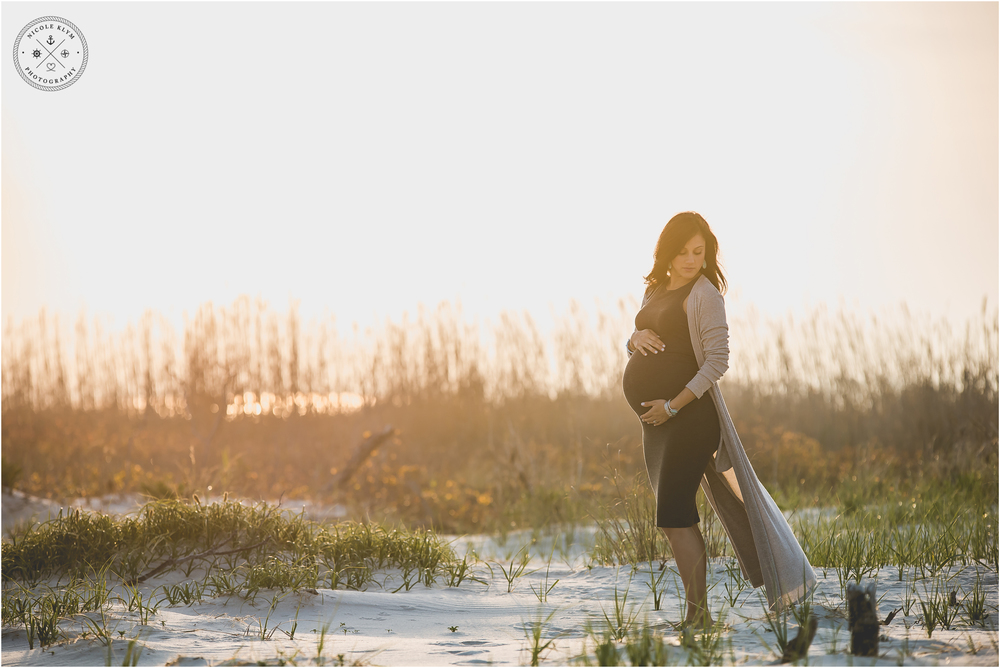 Holgate, Long Beach Island Maternity Photos by Nicole Klym Photography