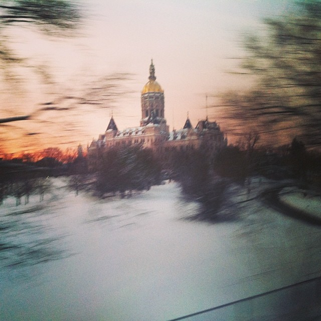 #hartford #capitolbuilding from the #train. #sunrise #tooearly #toocold (at Hartford Capitol)