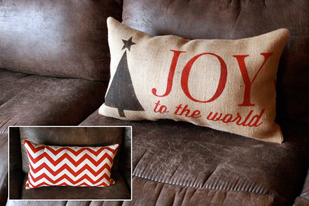 Pillow_Christmas_JitneysJourneys_001.jpg