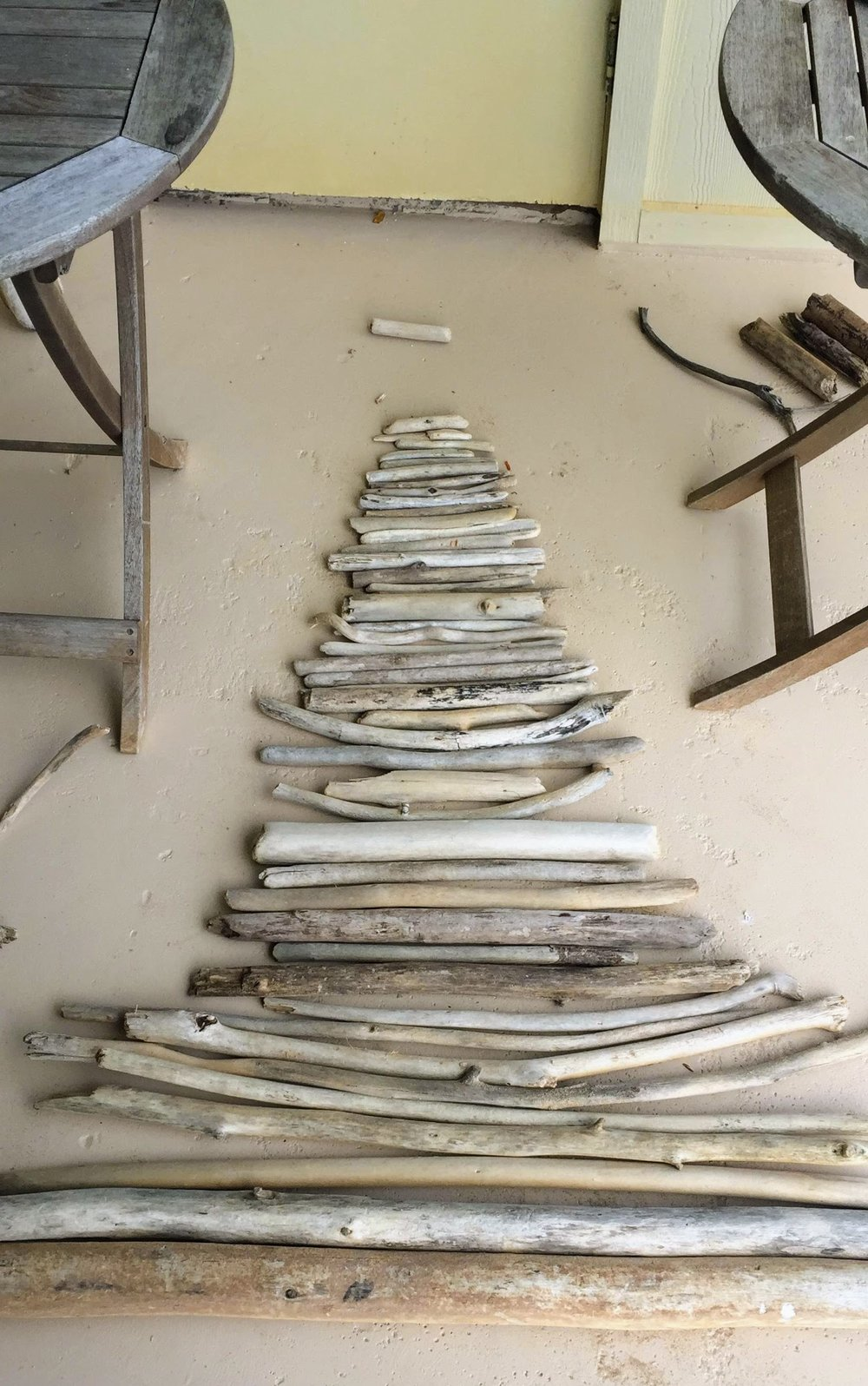 Driftwood Christmas Tree Base Design
