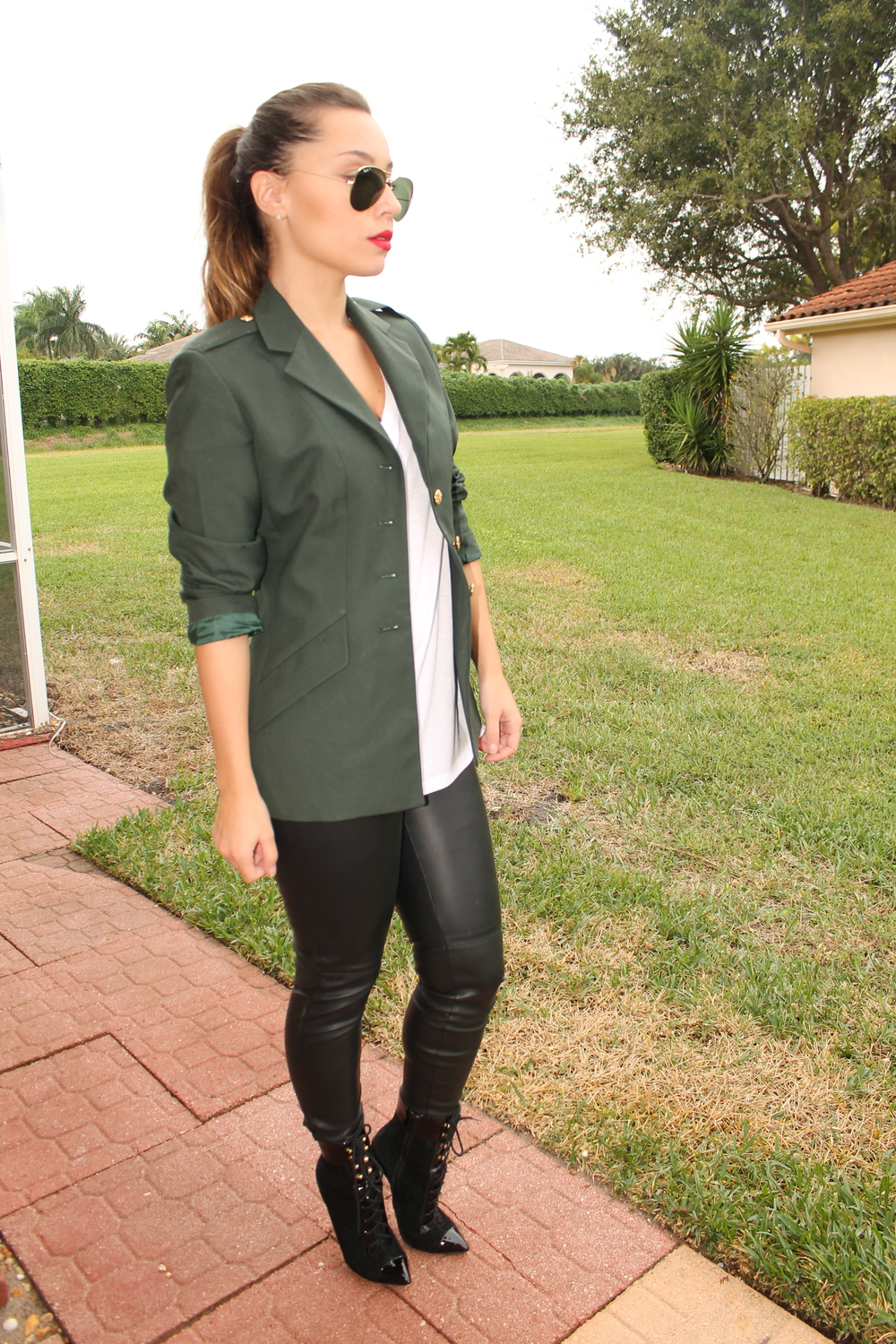 Collection Army Green Blazer Pictures - Reikian