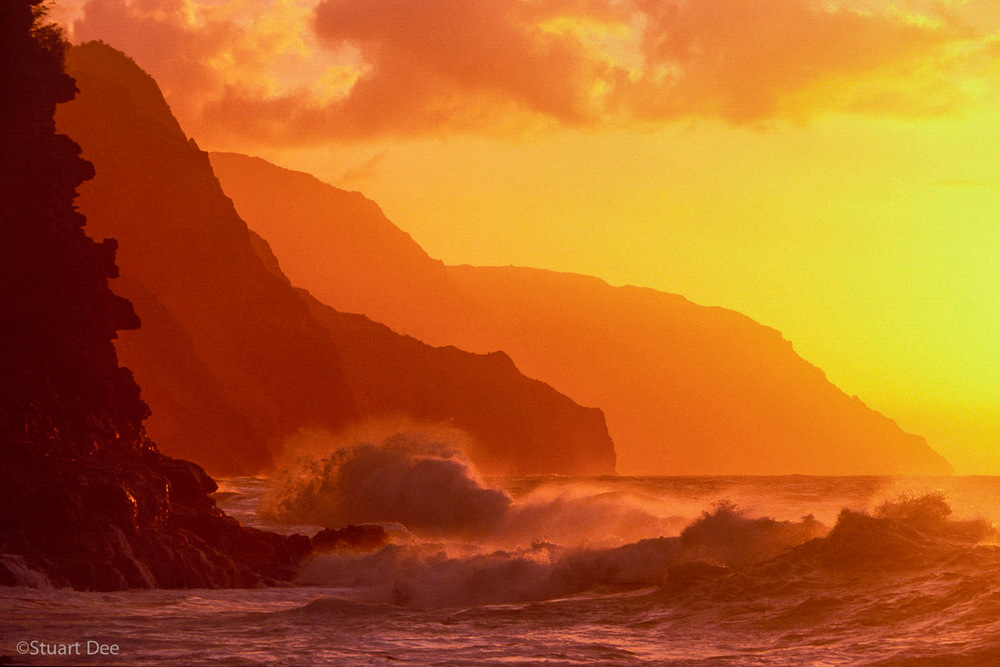 Na Pali Coast and waves, Kauai, Hawaii, USA