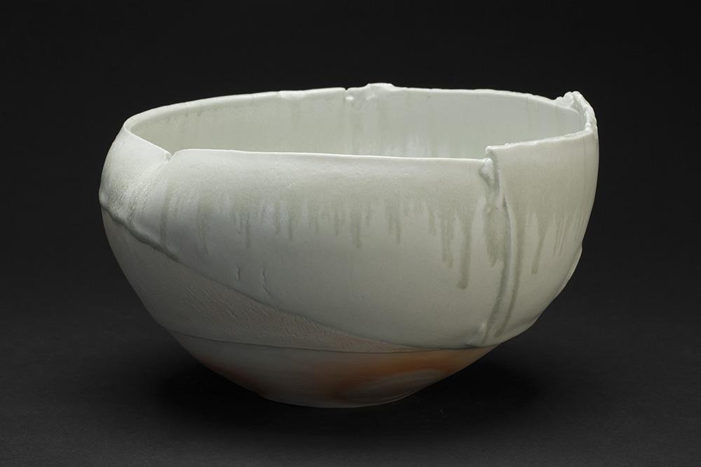 Mami Kato    Hokuto  , 2013 Porcelain 5.5 x 9 x 8.5 inches 14 x 22.9 x 21.6 cm MmK 3