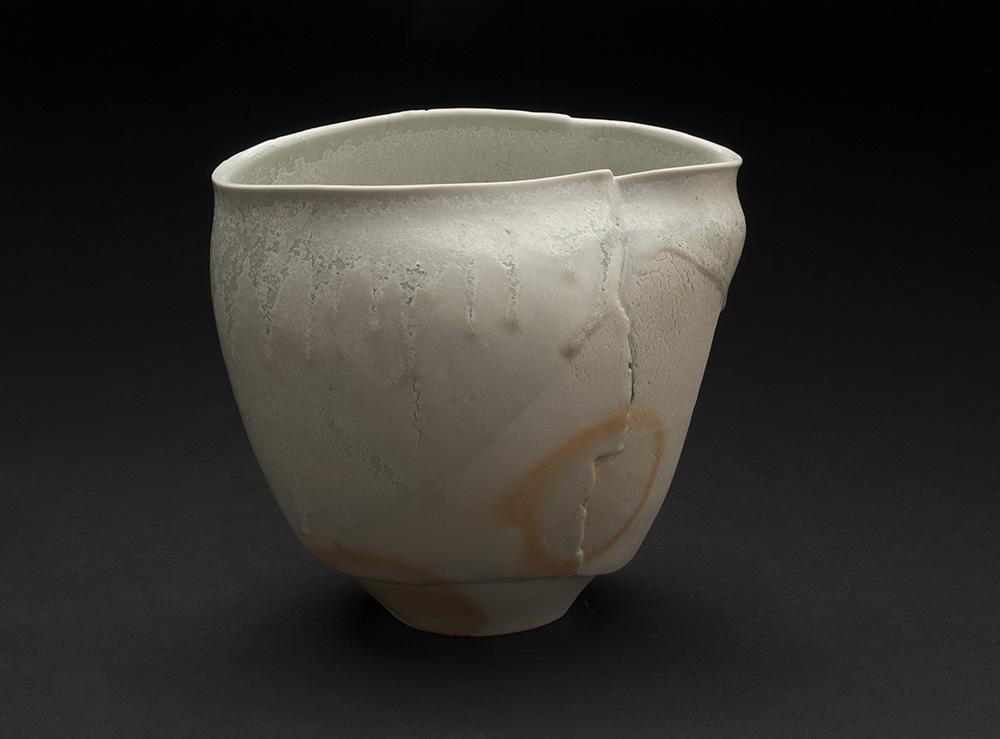 Mami Kato    Tabiji  , 2013 Porcelain 6.25 x 6.5 x 5 inches 15.9 x 16.5 x 12.7 cm MmK 7