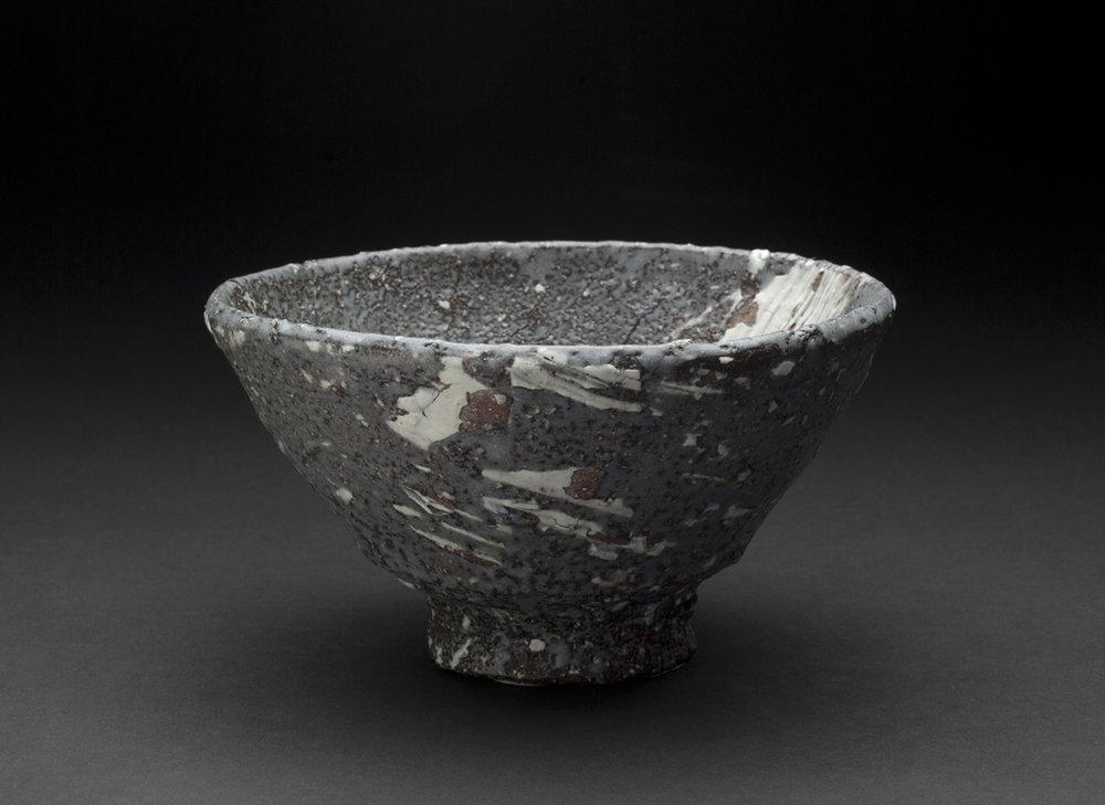 Touri Maruyama Hakeme Chawan, 2012 Ceramic, Red Mino clay 3.5 x 6.5 x 6.5 inches 8.9 x 16.5 x 16.5 cm TMar 9
