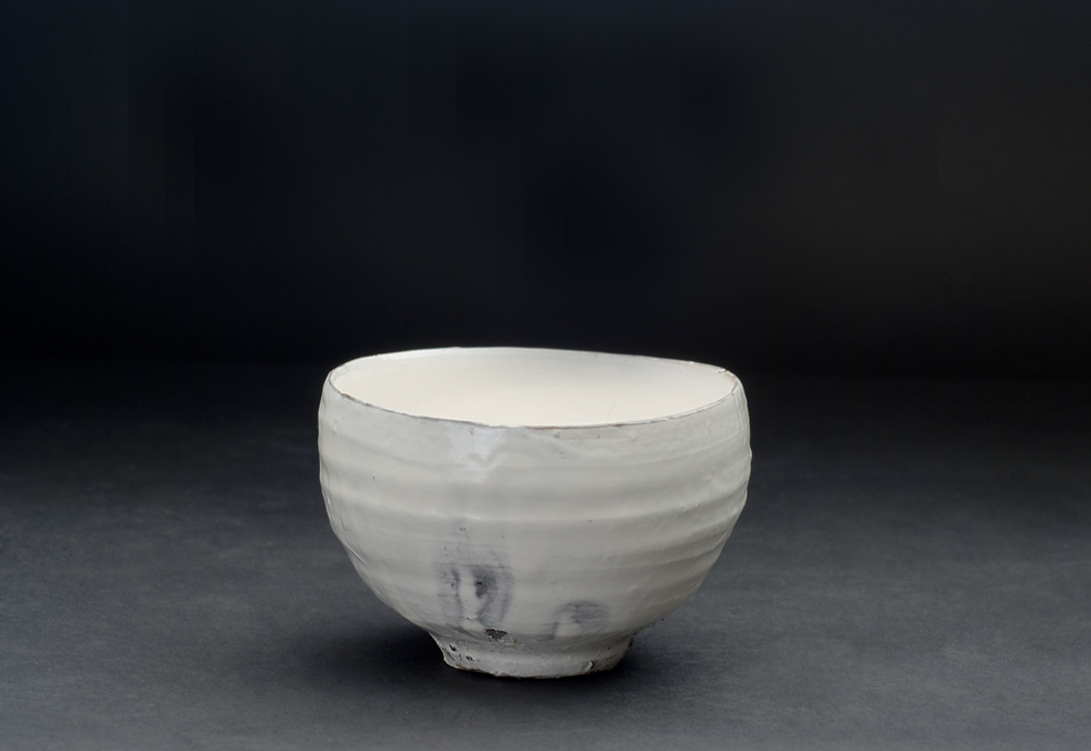 Kai Tsujimura Kohiki Chawan with box, 2011 Fired ceramic, white slip kohiki 5 x 4.5 x 3 inches 12.7 x 11.4 x 7.6 cm TSK 6