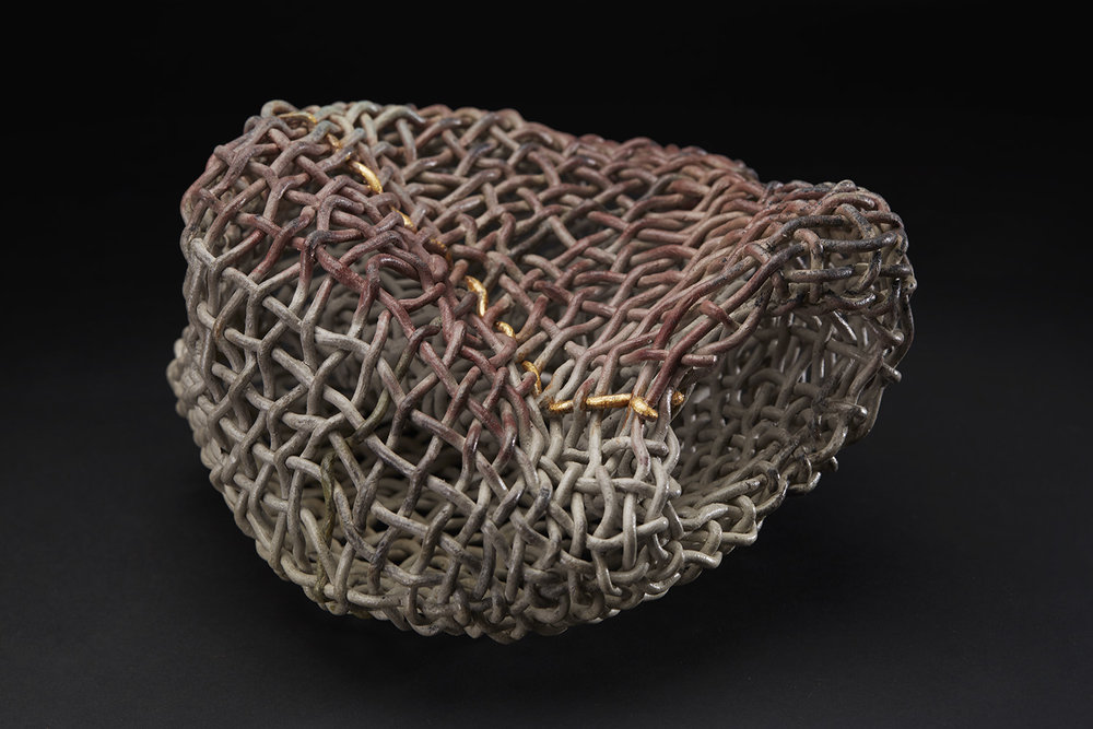Phyllis Sullivan Vortex with Gold Line No. 3, 2016 Stoneware, gold leaf 6 x 9.5 x 9 inches 15.2 x 24.1 x 22.9 cm PSu 7