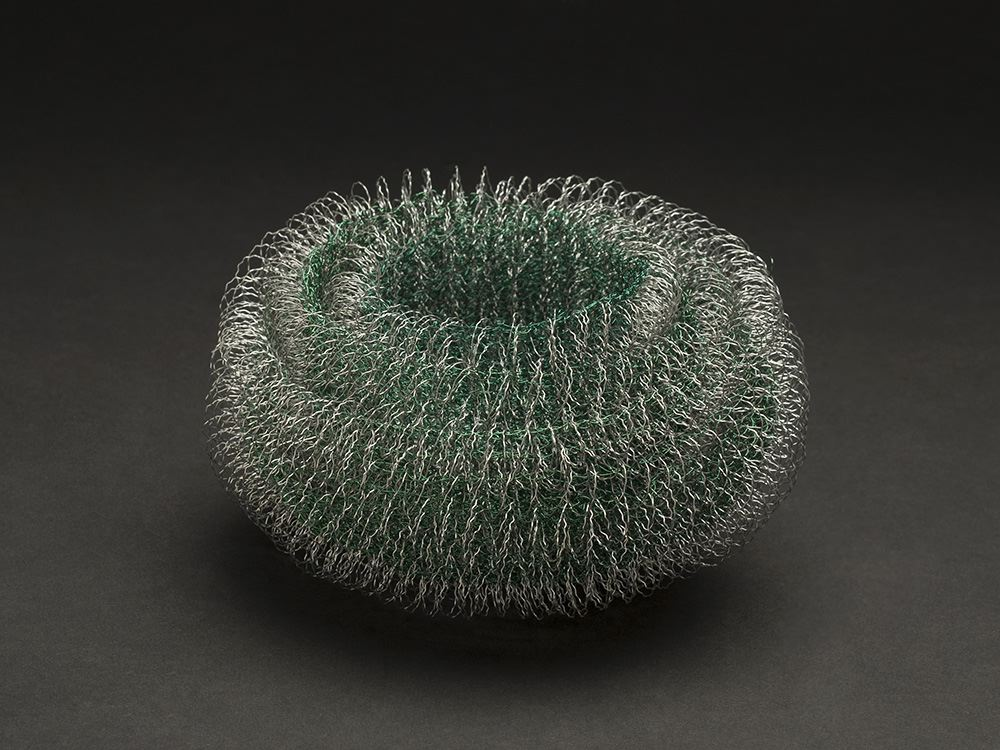 Mieko Kawase    Green Light  , 2012 Wire 3.94 x 5.91 x 5.91 inches 10 x 15 x 15 cm MKe 6