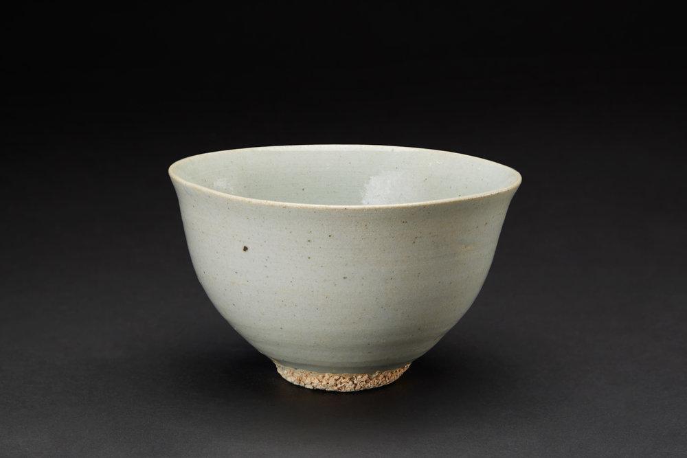 Korean Ceramics  Tea Bowl  , Late Chosun Period (19th Century) Porcelain, Blue Celadon 5.5 x 3 inches 14 x 7.6 cm KCer 11