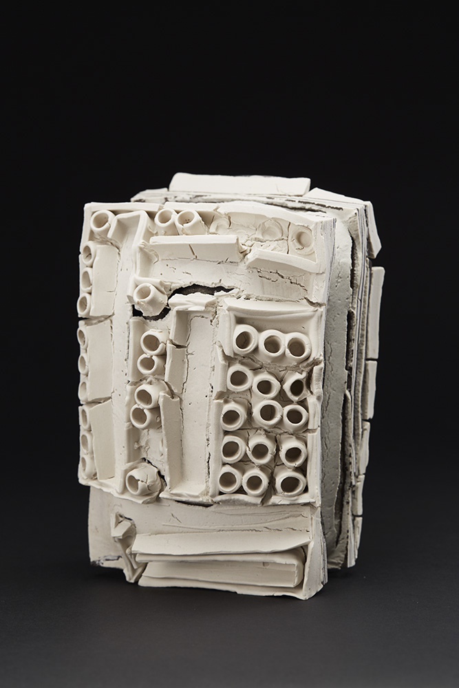 Rafa Perez  Untitled  , 2011 Ceramic 6 x 8.5 x 5.5 inches 15.2 x 21.6 x 14 cm RPe 5