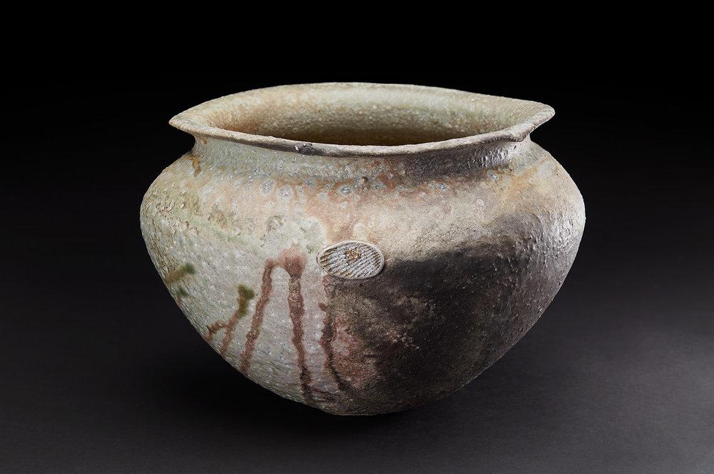 Osamu Inayoshi  Natural Ash Glaze Jar  , 2018 Ceramic 9 x 12 x 12 inches 22.9 x 30.5 x 30.5 cm Oin 14
