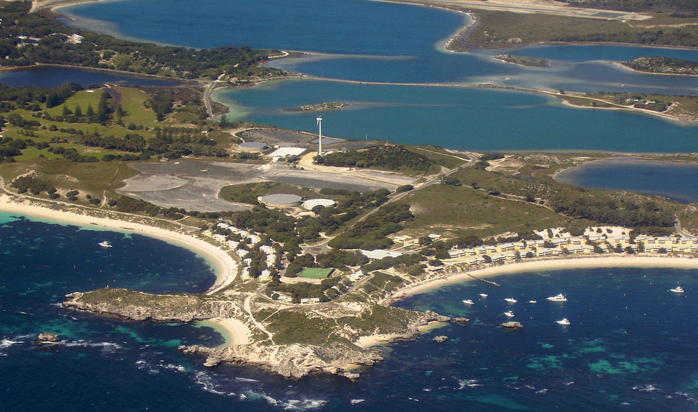 Longreach and Geordie Bay at Rottnest Island