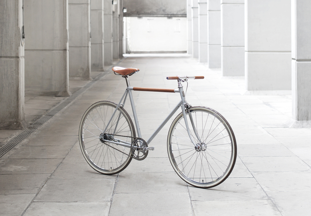 Freddie Grubb's latest project: a 2-Speed city bike, built in collaboration with Instrmnt.