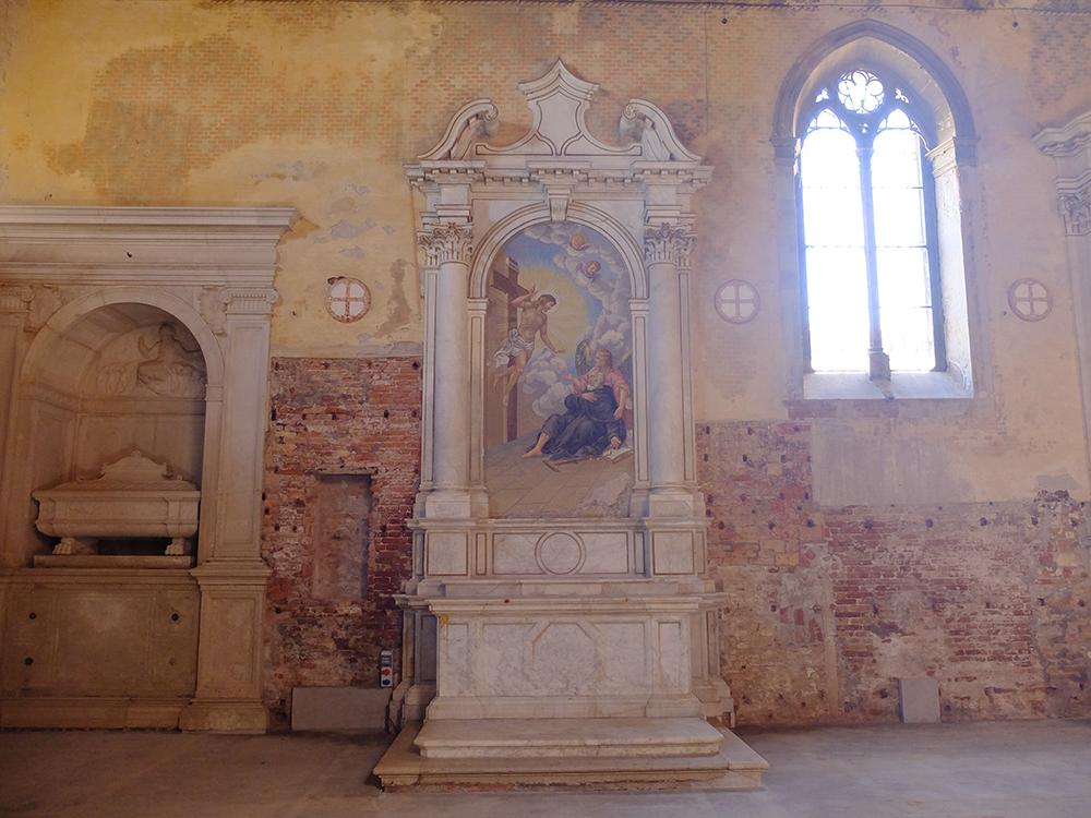 altar 2 1000px.jpg