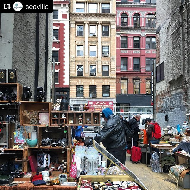 "Looking forward to fabulous finds from our famous flea market this first weekend in 2019? Post them with hashtag #ChelseaFleaMarket. Enjoy the #huntandhaggle. #findyourtreasure — Here's a #Repost via @seaville. ・・・""shopping in this location was rewarding in itself."" #chelsea #chelseafleamarket #i❤️nyc #fleamarket"