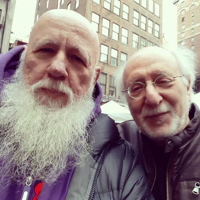 Repost of @ziggdabrowski with  #peteryarrow at @chelseafleanyc . . . . #peterpaulandmary #puffthemagicdragon #vintagezigg #legendary #folksinger #blowin'inthewind #superstar #brotherlyhug #kindness #peaceand love