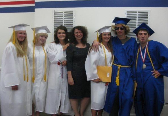NFS graduates 2009.jpg