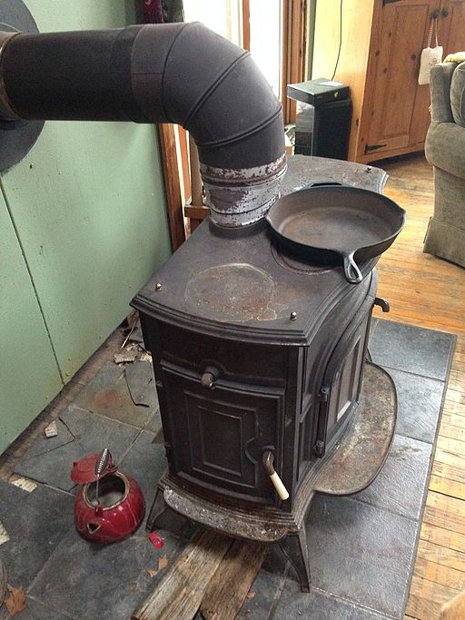 Cast_Iron_Wood_Stove.JPG