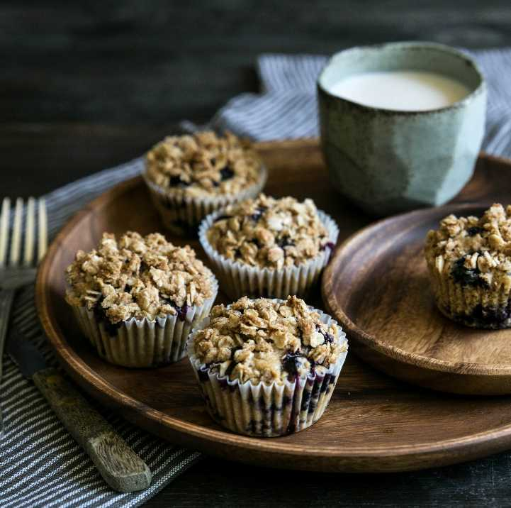 Bluberry Oat Crumble Muffins