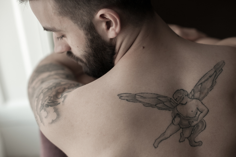 suffolk-wedding-photographer-tattoo-groom-portraits-prep
